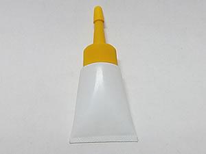 Bisnaga de Plástico 10g Branca com Bico Aplicador Amarelo