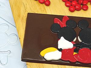 Forma Barra Mickey e Minnie Abraçados 75g Ref.12011 BWB